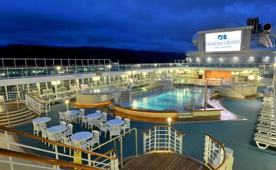 Coral Princess pool deck
